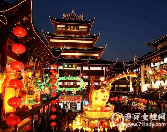 上海旅游热血二日游城隍庙品上海江湖使用海美食攻略手游攻略看上元宝图片