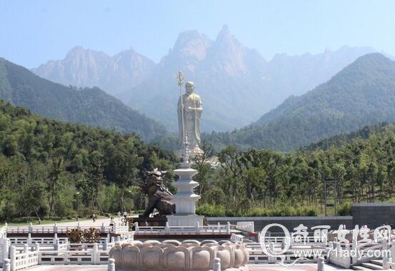驴友秘籍    九华山位于安徽省池州市青阳县境内,是中国佛教四大名山