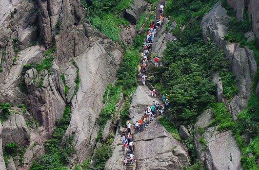 黄山旅游大概多少钱_黄山旅游攻略 欣赏大自然造化中的奇迹之美